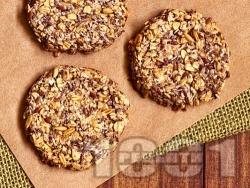 Домашни протеинови бисквити с овесени ядки без захар и без масло, с извара, чиа, мед и канела - снимка на рецептата